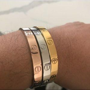 Jewelry - Love bracelet